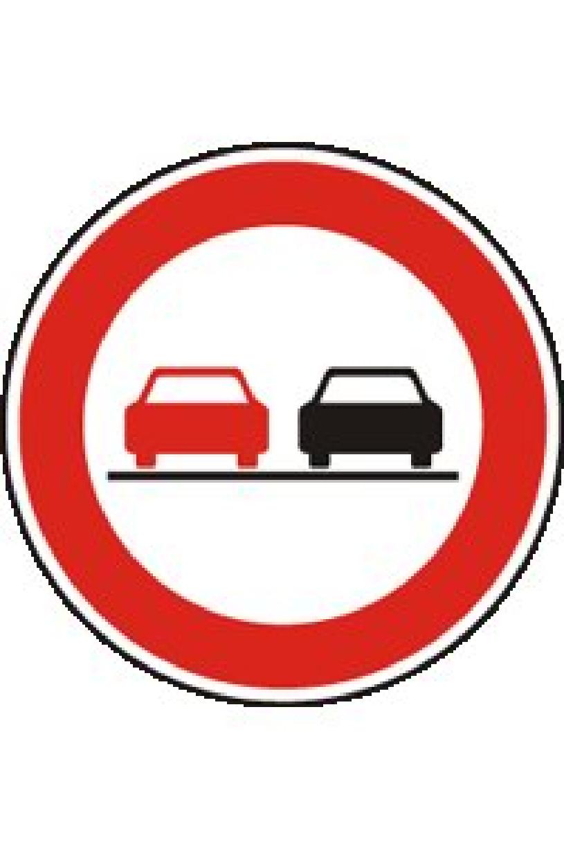 V úseku pozemní komunikace označeném touto dopravní značkou: