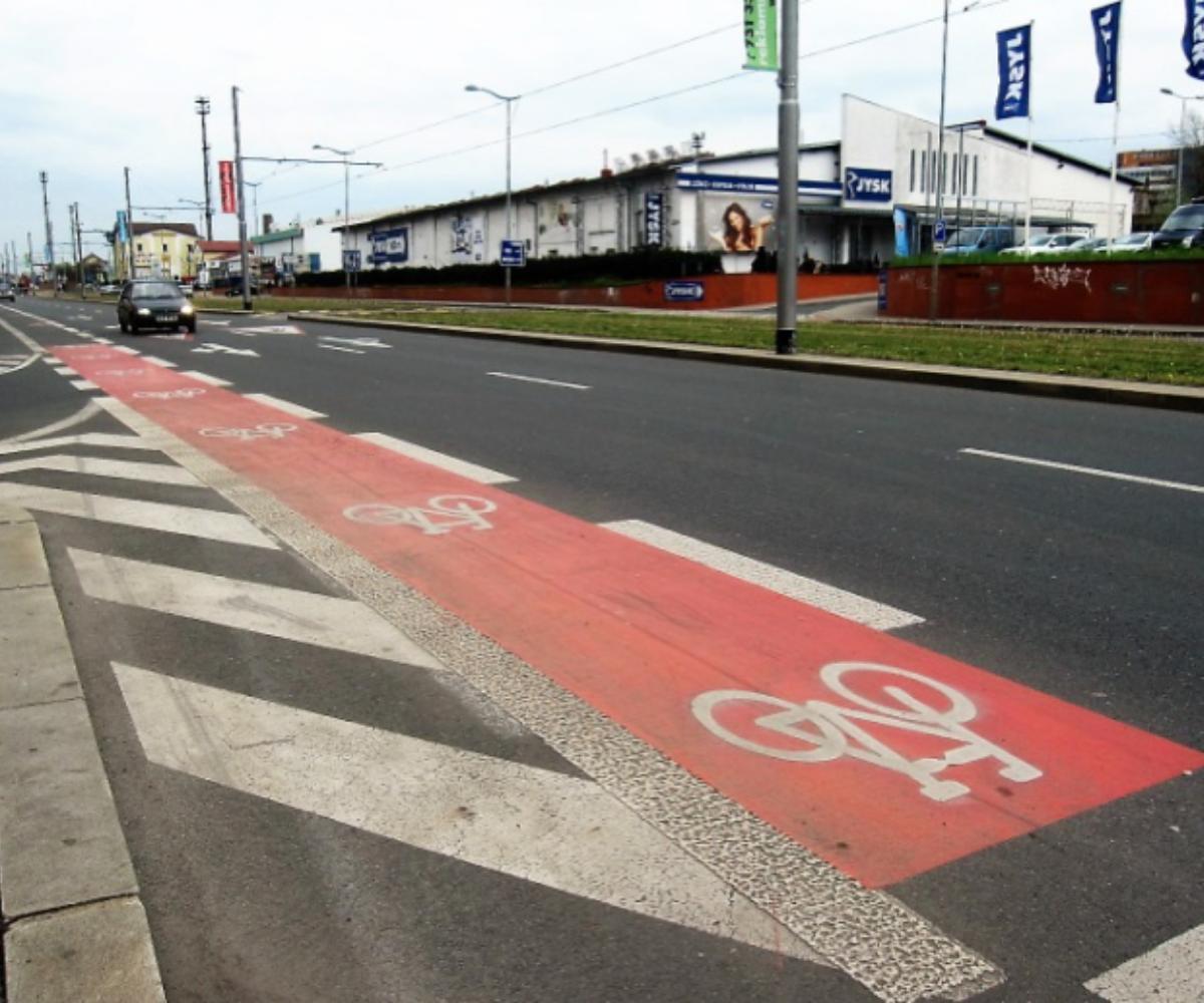 Vyznačený jízdní pruh pro cyklisty musí cyklista užít